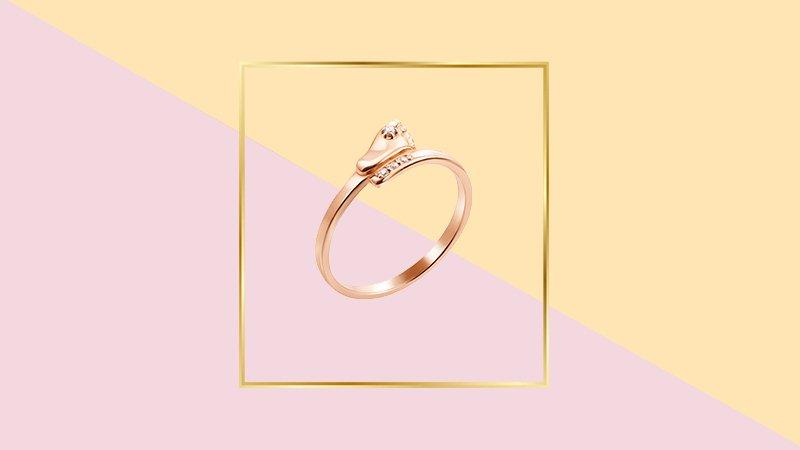 золотой кольцо с пяточкой 585 пробы